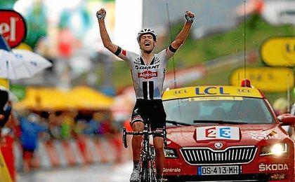Dumoulin celebra su triunfo en Arcalis.