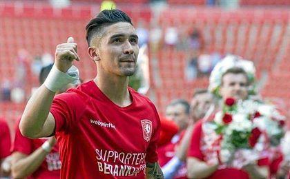 El medio chileno no olvida su paso por un Twente al que siempre llevará en su corazón.