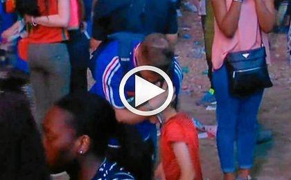 Un niño portugués se compadece de un seguidor francés