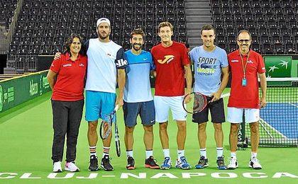 El equipo español de Copa Davis se ejercitó este lunes en la Sala Polivalente Cluj-Napoca de Rumanía.