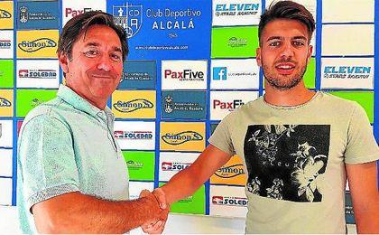 Mariano firma por el Alcalá.