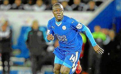 Kant�, con la camiseta del Leicester City.
