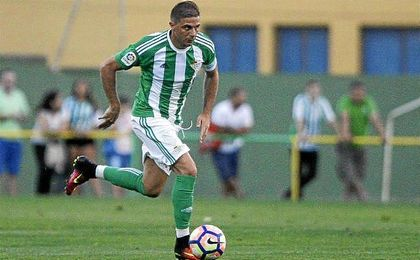 Joaquín cerró el marcador con un bello gol frente a la Balompédica Linense.
