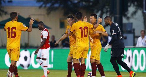 Konoplyanka y Gameiro celebran el segundo gol.