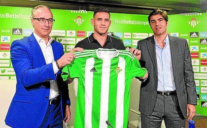 Torrecilla lo confirmó en la presentación del paraguayo.
