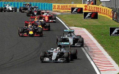 Hamilton se coloca líder del campeonato.