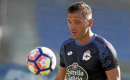 Lucas Pérez completa su trabajo de pretemporada con el primer plantel del Deportivo.