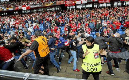 Sevilla, sancionado con 17.000 euros por disturbios en la grada en la final de Basilea