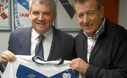 Vizcaíno con el presidente de Vélez Sarsfield.