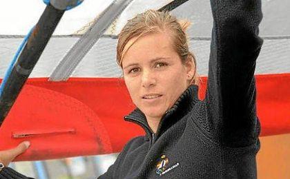 La windsurfista, Marina Alabau, pone rumbo a R�o.