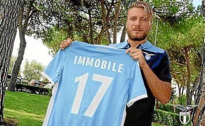 Immobile llevara el dórsal 17 en la Lazio.