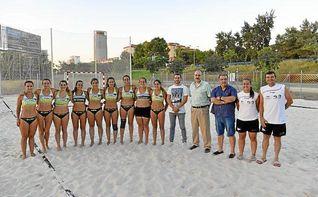 El IMD culmina la obra en el Centro Deportivo Vega de Triana de la primera pista de balonmano playa de Sevilla