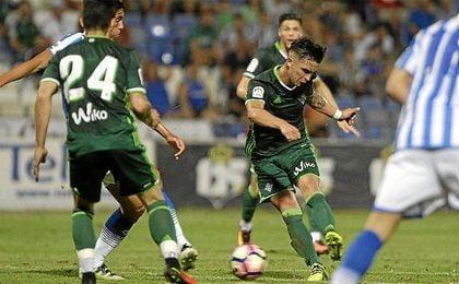 Felipe Guti�rrez dej� pinceladas de su pierna izquierda ante el Decano.