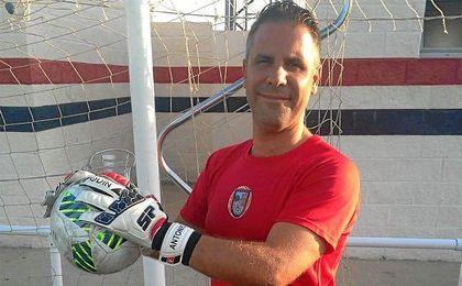Antonio García posa para ESTADIO en el José Juan Romero.