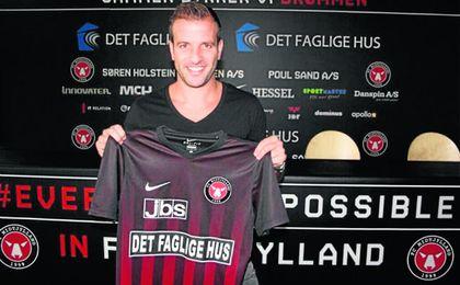Van der Vaart no regresar� a Heli�polis.