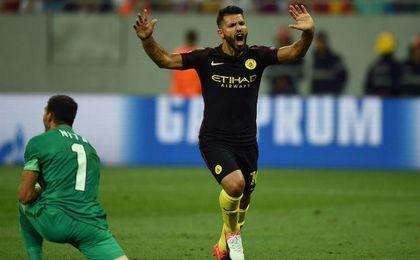 El argentino anot� un hat-trick y fall� dos penaltis.