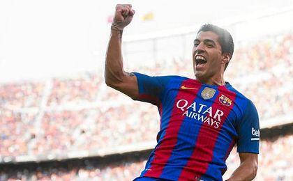 Suárez empieza como terminó: marcando.