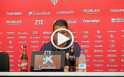 Vitolo, feliz: renueva con el Sevilla hasta 2020 y vuelve a la selección.