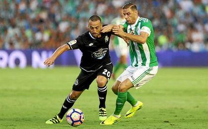 Joaquín, el mejor de los verdiblancos ante el Deportivo.