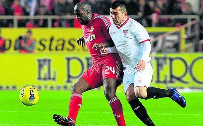 Gary Medel podr�a regresar al Sevilla F.C.