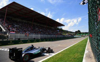 Rosberg recuper� 9 puntos a Hamilton.
