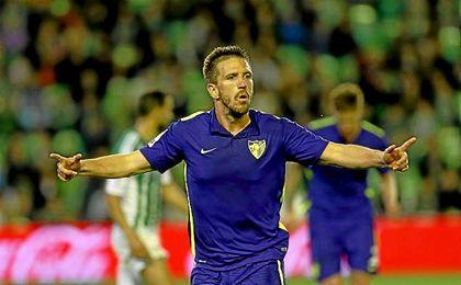 Ignacio Camacho, celebrando un gol con el Málaga CF