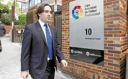 El Villarreal, entrenado por Marcelino, perdió en El Molinón, lo que permitió la salvación del Sporting, con el consiguiente descenso de Getafe y Rayo.