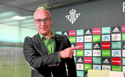 El exdirector deportivo del Celta de Vigo ha llevado a cabo en el primer plantel heliopolitano la revolución que se propuso a su llegada al Benito Villamarín.