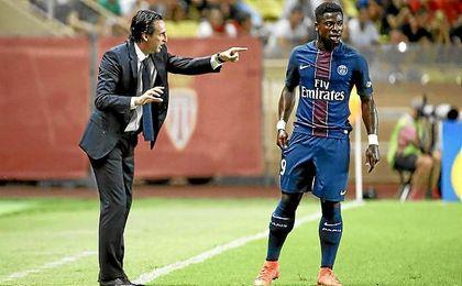 Emery, en el banquillo del PSG.