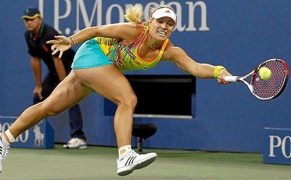 Kerber rescata una bola en el US Open.