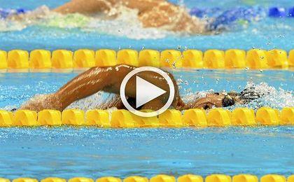 Israel Oliver, oro en 100 mariposa, y María Delgado, bronce en 100 metros espalda