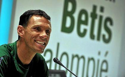 Gustavo Poyet, en sala de prensa.