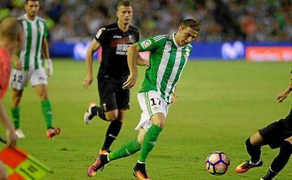 Joaquín, durante el partido del Villamarín ante el Granada.