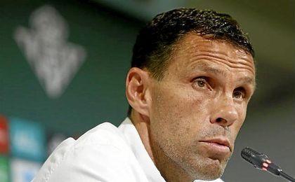 """El entrenador del Betis se refirió al derbi del próximo martes y dijo que espera que estén """"más organizados que hoy""""."""