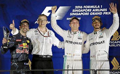 Rosberg, Hamilton y Ricciardo, en el podio.