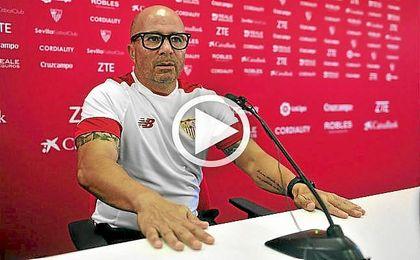 El entrenador del Sevilla F.c., Jorge Sampaoli, en la previa del Sevilla F.C. - Real Betis