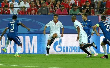 El árbitro anuló un gol legar a Ben Yedder en el minuto 18.