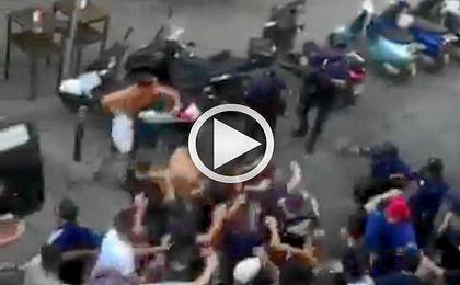 La policía ha cargado contra varios aficionados franceses.