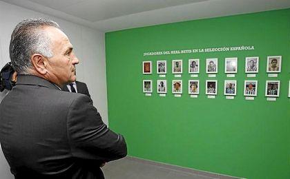 Presentación del Betis Tour Experience en el Benito Villamarín. En la foto, Gordillo.