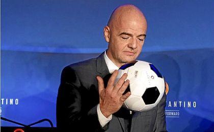 Gianni Infantino, presidente de la FIFA, es partidario de un Mundial con 48 equipos.
