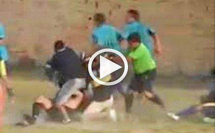 Un �rbitro recibe una brutal paliza en Argentina por se�alar un penalti