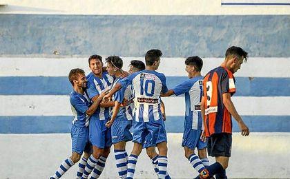 El Pilas celebra un gol ante el Cerro.