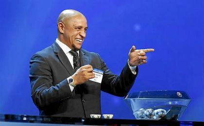 Roberto Carlos no oculta su ilusi�n de entrenar al Real Madrid, algo para lo que �l mismo ya se ha ofrecido.