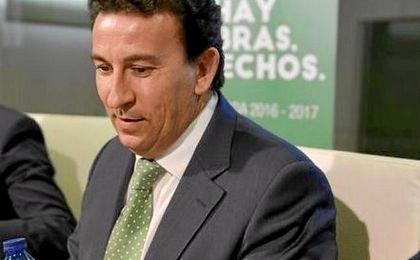 López Catalán mandó un mensaje de apoyo a Poyet
