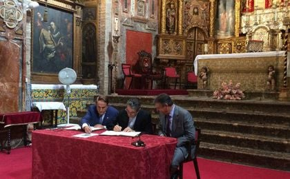 Firma del acuerdo entre las dos partes.