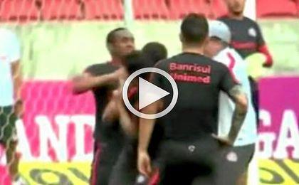 Dos jugadores del Porto Alegre acaban a puñetazos en un entrenamiento