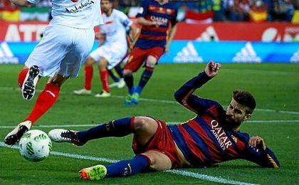 Gerard Piqué se perderá el partido ante e Sevilla en el Sáchez Pizjuán.