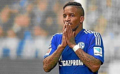 Antes de firmar por el Al Jazira, Farfán jugó siete temporadas en el Schalke.