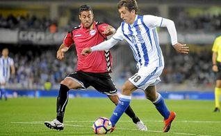 La Real Sociedad convence con una c�moda victoria (3-0) ante el Alav�s