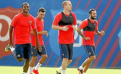 Mathieu, en un entrenamiento con el Barcelona.